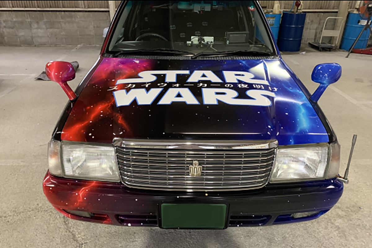 SWフルラッピングタクシー正面